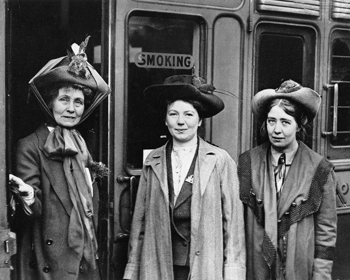 Emmeline Pankhurst con sus hijas que también participaron en el movimiento sufragista.