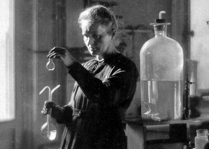 """Marie Curie: """"No se puede esperar construir un mundo mejor sin mejorar a los individuos"""""""